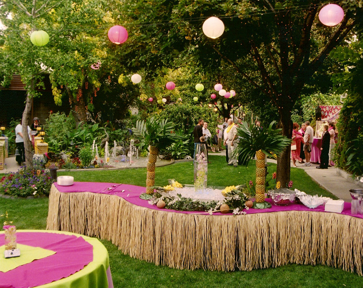 Top Hawaiian Theme Party Decoration Ideas 714 x 566 · 317 kB · jpeg